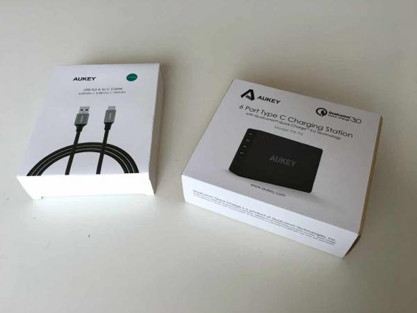 Aukey-6-Port-USB-Quick-Charger