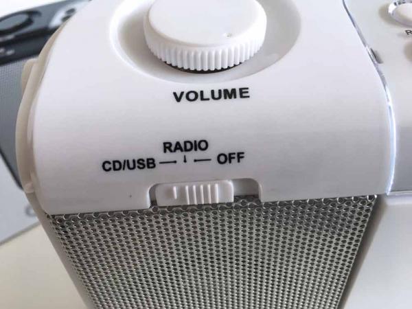 Auna Boomtown Stereo-FM Radio mit CD und USB/MP3